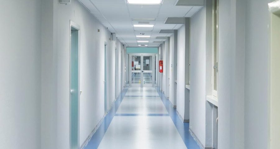 Mantida condenação por hospital não informar a paciente riscos de cirurgia