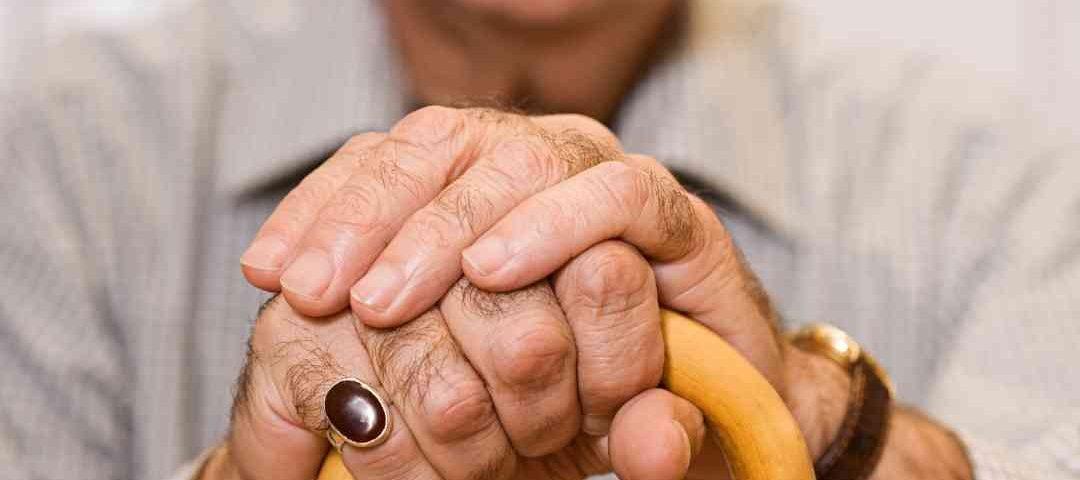 Bolsonaro veta suspensão da prova de vida de beneficiários do INSS durante pandemia